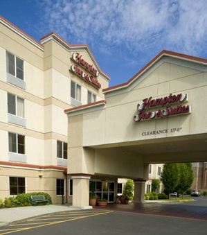 Sophistication And Value Meet At Hampton Inn By Alderwood Mall Our Lynnwood Hotel Is A Favorite For Business Travel Family Vacations Too