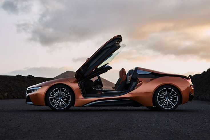 The world's highest-selling hybrid sports car goes topless