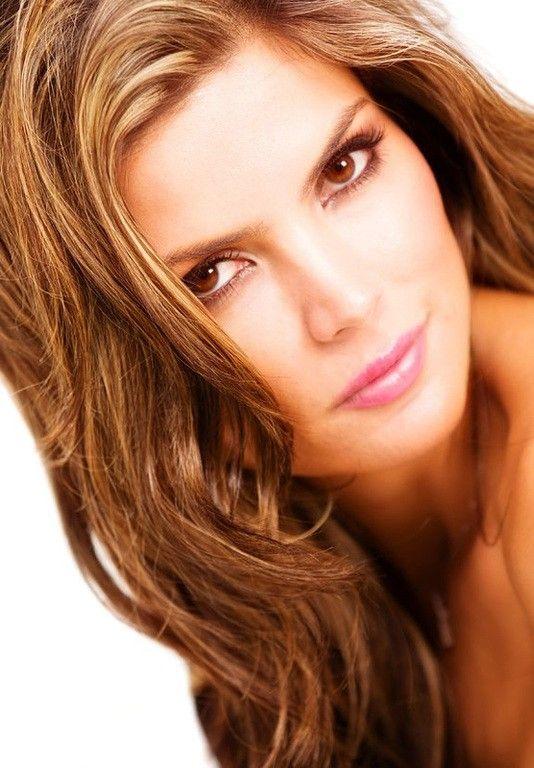 Los tonos de rubio más populares, el rubio dorado, el rubio cobrizo , el strawberry blonde como el de guapa actriz Blake Lavely.