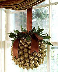 http://randomcreative.hubpages.com/hub/Uses-For-Walnut-Shells-Ground-Crushed-Crafts-for-Children