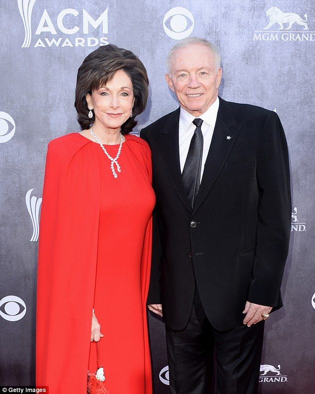 Couple: Dallas Cowboys owner Jerry Jones (right) and his wife Gene Jones (left) pictured i...