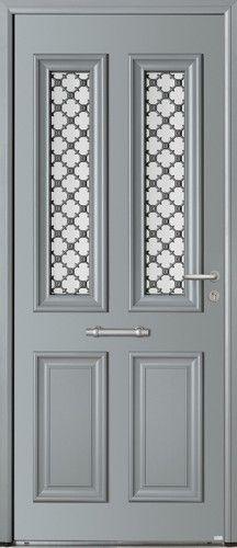 Modèle Astéria Porte d'entrée aluminium classique mi vitrée Une porte d'entrée à grille qui apportera charme et élégance à votre maison.