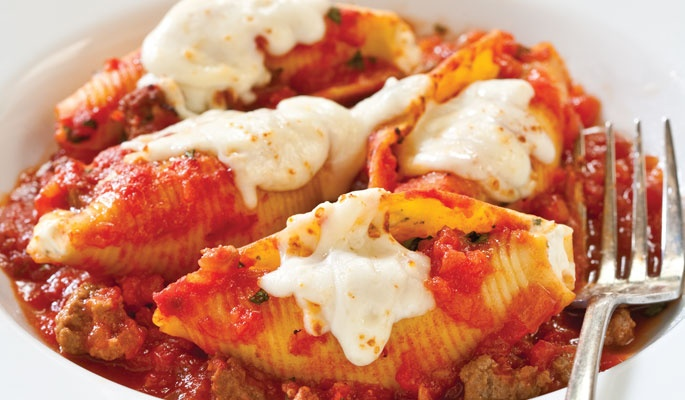 Reduced-Fat Stuffed Shells with Meat Sauce We infuse this dreary ...
