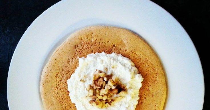 Chocolate Muffin Blog: Omlet kokosowy z twarożkiem kokosowym i orzechami