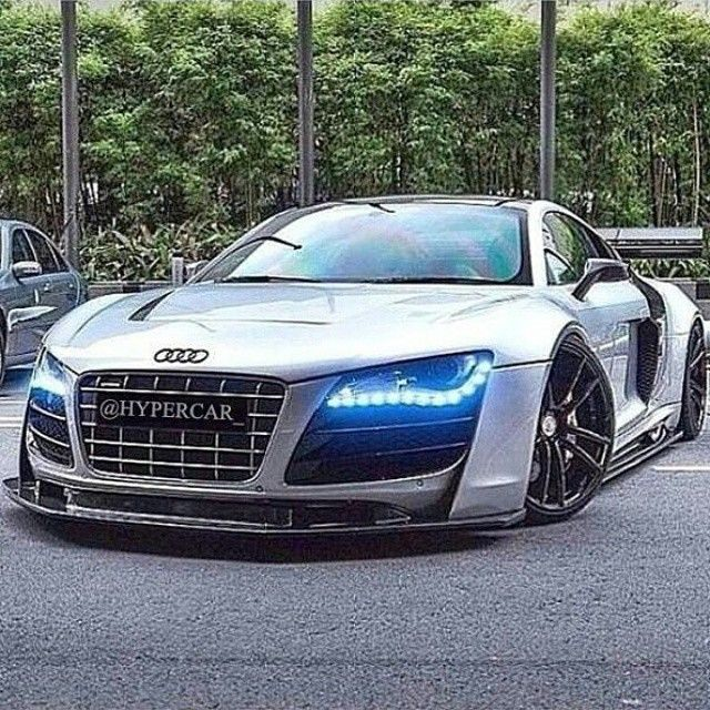 Beautiful super low Audi R8.