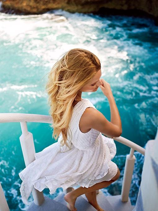 beach blonde: Beaches Dresses, The Ocean, Angel Sanchez, Cars Girls, White Summer Dresses, The Dresses, White Dresses, Deep Blue Sea, Beaches Wedding Dresses