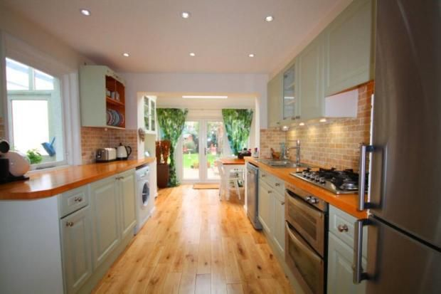 2 bedroom semi-detached house for sale in Glenhurst Road, Brentford, Middlesex, TW8 - Rightmove | Photos