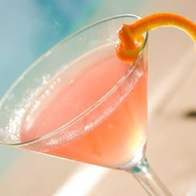 TGIF...we think its time for a cocktail by the pool..and 2 for 1 until 7pm.. Don't mind if we do.