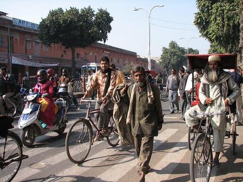 Busy streets of Jaipur, India. By Melanie Morris, via Flickr