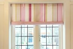 Roll up Swedish blind - Finished blind in window