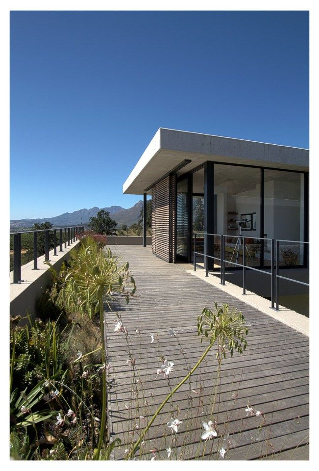 Beautiful Houses: Hillside House - Movable/slide-able exterior shades