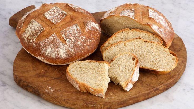 Crujiente receta paso a paso de Pan italiano rústico de chapata elaborada por la chef Anna Olson, un delicioso pan casero al estilo de pueblo.