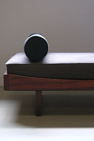Omann Jun Rosewood Daybed
