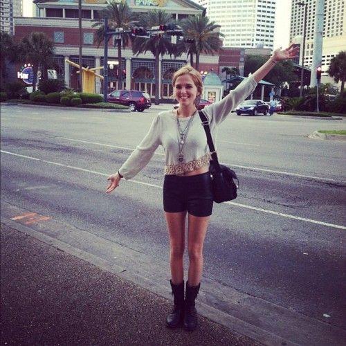 Zoey Deutch in NOLA! dream body=Zoey Deuch