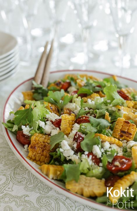 Meksikolainen maissisalaatti – Mexican grilled corn salad with ovendried tomatoes #salad #salaatti