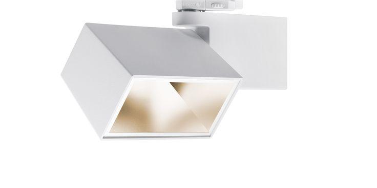 GRADO è dotato di #LED di ultima generazione e offre un'efficienza fino a 124 lm/W http://ow.ly/oe0Z309Vfum #retail #food #illuminazione #gdo #Oktalite - Prodotti