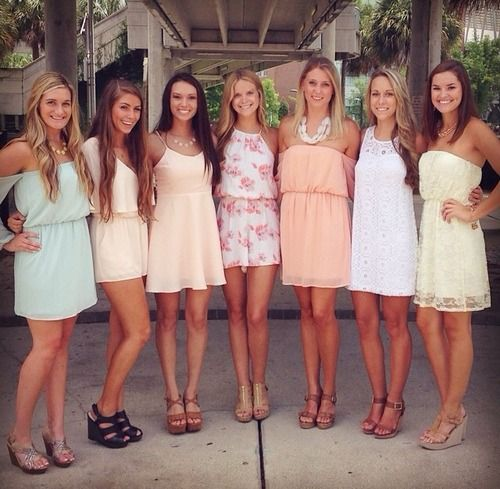 Outfits that don't match, but have a similar color scheme look great for recruitment!