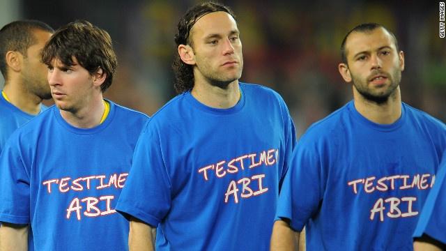 """Barcelona: """"T'ESTIMEM ABI"""" (We Love You, Abi -Abidal- )"""