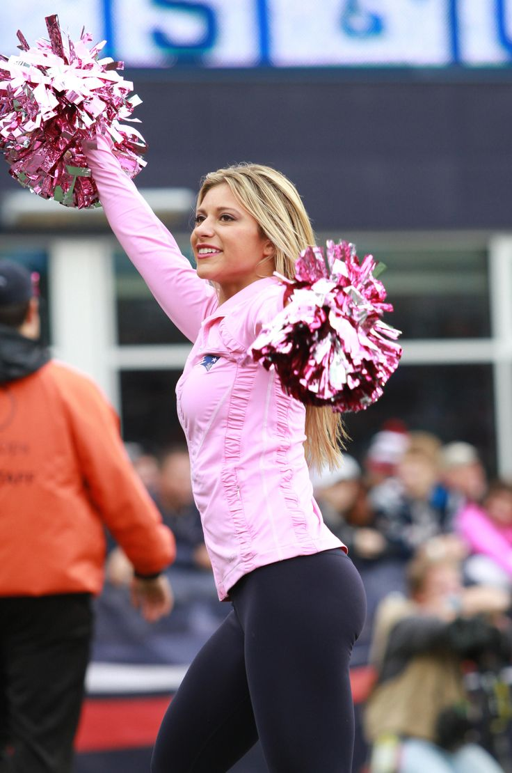 Cheerleaders Perform During Patriots-Jets Game | New England Patriots