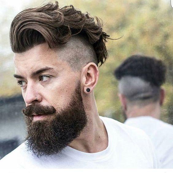 Cheveux rasés sur le côté et mèches longues sur le dessus hair hairstyle  . Coiffure Pour HommeCheveux