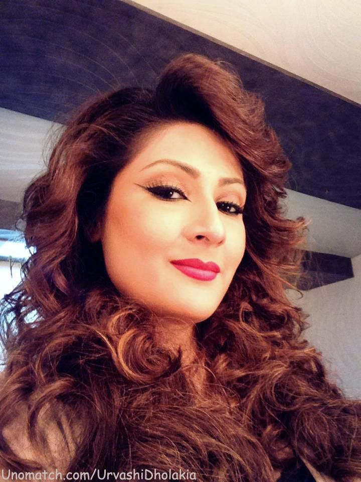 Urvashi Dholakia is an Indian television actress, who is best known for playing the villainous roles, as of Komolika Basu, in the STAR Plus daily soap opera.  Like Her Page : www.unomatch.com/urvashidholakia   #URVASHIDHOLAKIA #DRAMSCELEBRITY #Tellywood #INDIANCELEBRITY #ACTRESS #FOLLOW #LIKE #SHARE #COMMENTS #NEWPICS #FANPAGE #BOLLYWOOD #INDIANTELEVISIONACTRESS