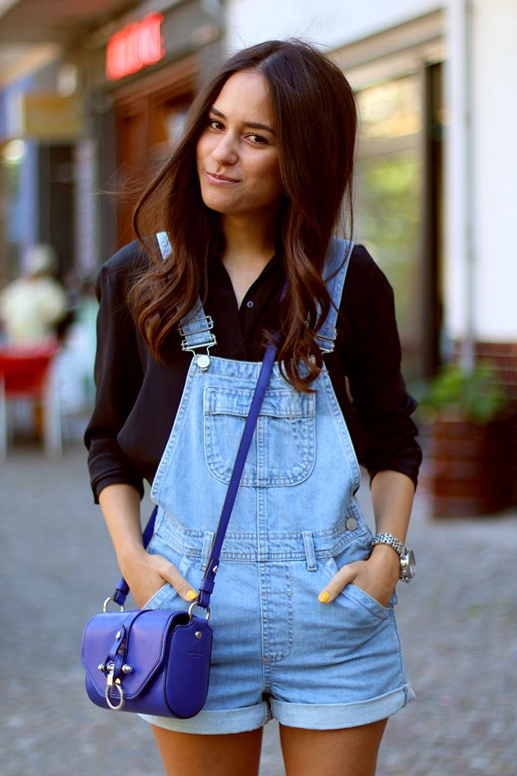 Nisi is wearing: Topshop Dungarees or denim overall, black silk shirt from Zara, Givencha Obsedia small in blue and Birkenstocks