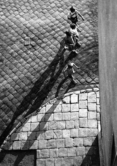 Imre Kinszki     Children Walking, Budapest     Undated