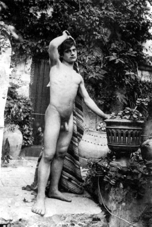 in nude photography boys