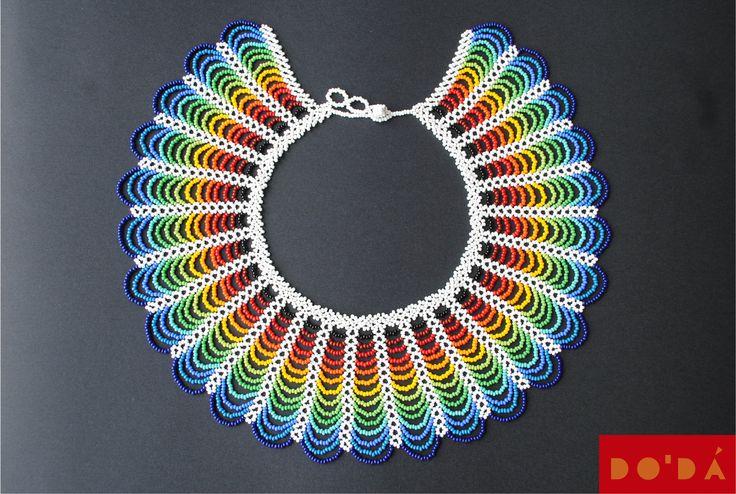 Indigenous Necklace / Multicolored and Hand-beaded / Hand crafted by native Embera / Collar Indígena Emberá / multicolor en chaquiras de DODAStore en Etsy
