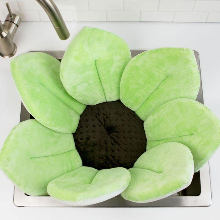 Blooming Bath Green in sink