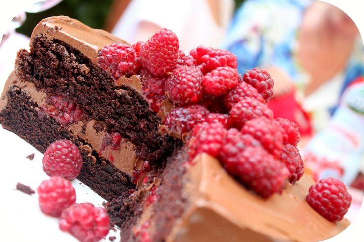 Layer Cake chOcOlat, chOcOlat, un peu de Nutella, et frambOise…