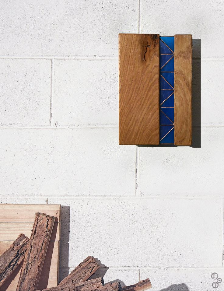 Wood wall lamp design. Lampada/applique 4 stagioni in legno Rovere lavorato e vetro colorato idee per la casa (200.00 EUR) by LabSenzaTempo