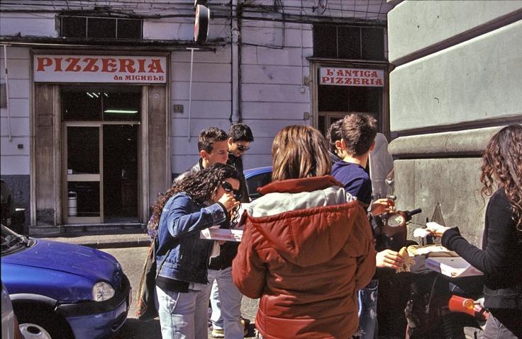 Modep and Pizza. This people were craving it !!!!!!!! Pizzeria da Michele ai tribunali - Napoli