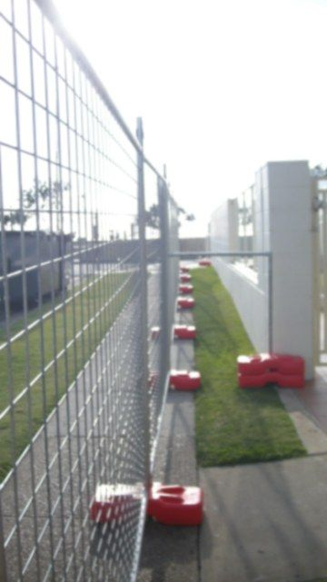 *Temporary Fences and Barriers Hiring Services in Sydney area of New South Wales, Australia* #temporaryfences #temporarybarriers #construction #constructionsupplies #securityfences #securitybarriers