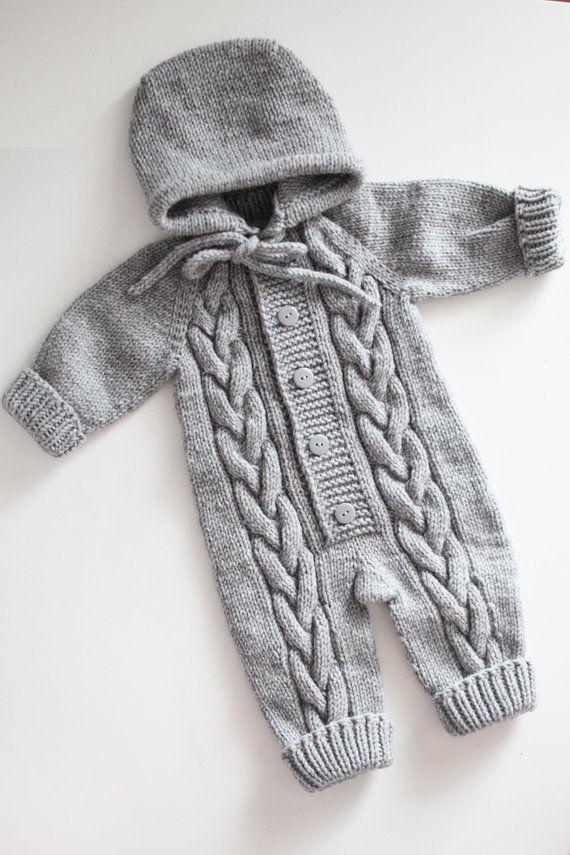 Neugeborenen Kostüm – graue Overalls – Neugeborene stricken – gestrickte Babykleidung …   – Kinderwelt