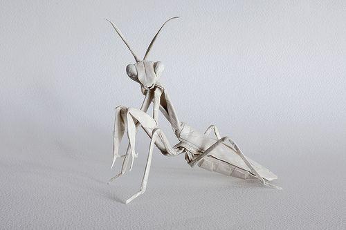 Origami Mantis: Folding Paper, Mantis Origami, Big White, Paper Art, White Praying, And Promise To Origami, Origami Art, Gift Mabona, Praying Mantis