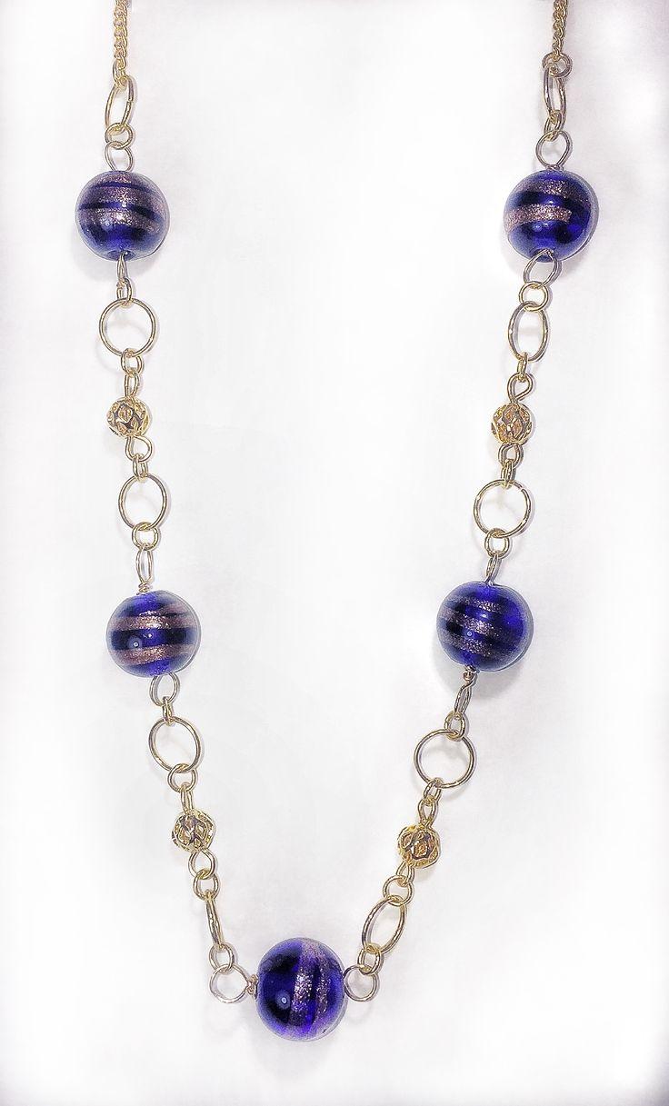 Collar con cristales azules