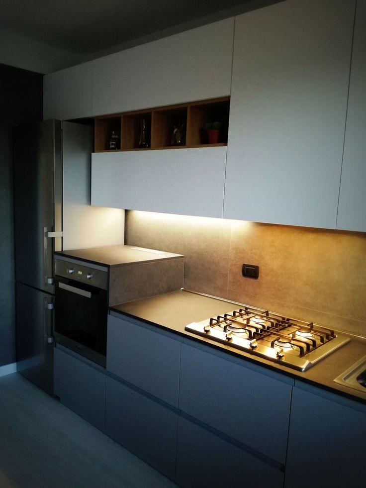 Elettrodomestici top di gamma Miele e frigo libera installazione Liebherr realizzati a Vittorio Veneto