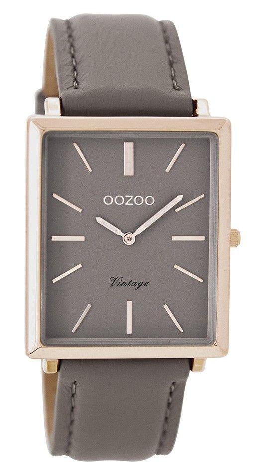 OOZOO Horloge Vintage 31 x 37 mm C8188. Trendy en populair horloge met stalen, rosékleurige, rechthoekige kast. De taupekleurige wijzerplaat is voorzien van rosékleurige index en wijzers. De taupekleurige, lederen horlogeband sluit door middel van een gespsluiting. De rechthoekige kast is 37 mm hoog en 31 mm breed. Trendy en tijdloos model uit de OOZOO vintage-collectie.