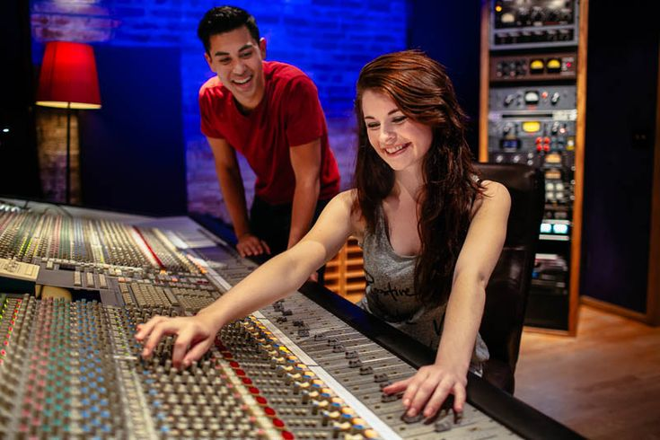 Audio engineering and music production classes courses