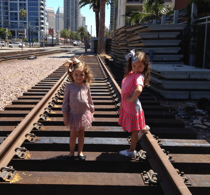 Lia & Maya @ little Italy SAN