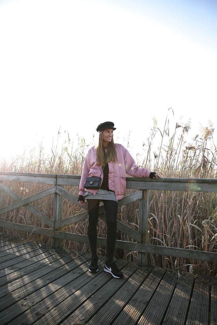 blogger-blog-bartabac-streetstylebomber-rosa-pink-gorra-marinera-mini-skirt-nike-chanel-bag-bolso-34