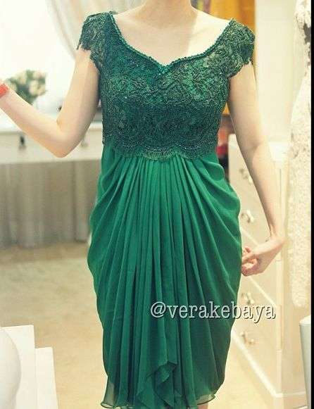 Glamour Green Kebaya - Combination of embroidery tulle and chiffon. Include a modern kebaya with modification.