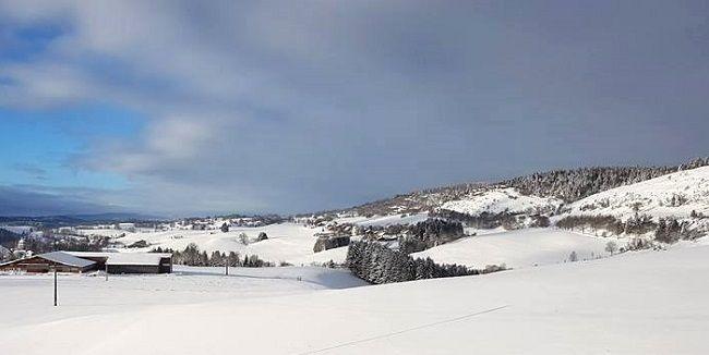 Foncine le Haut, petite station de ski familiale située dans le massif du Jura