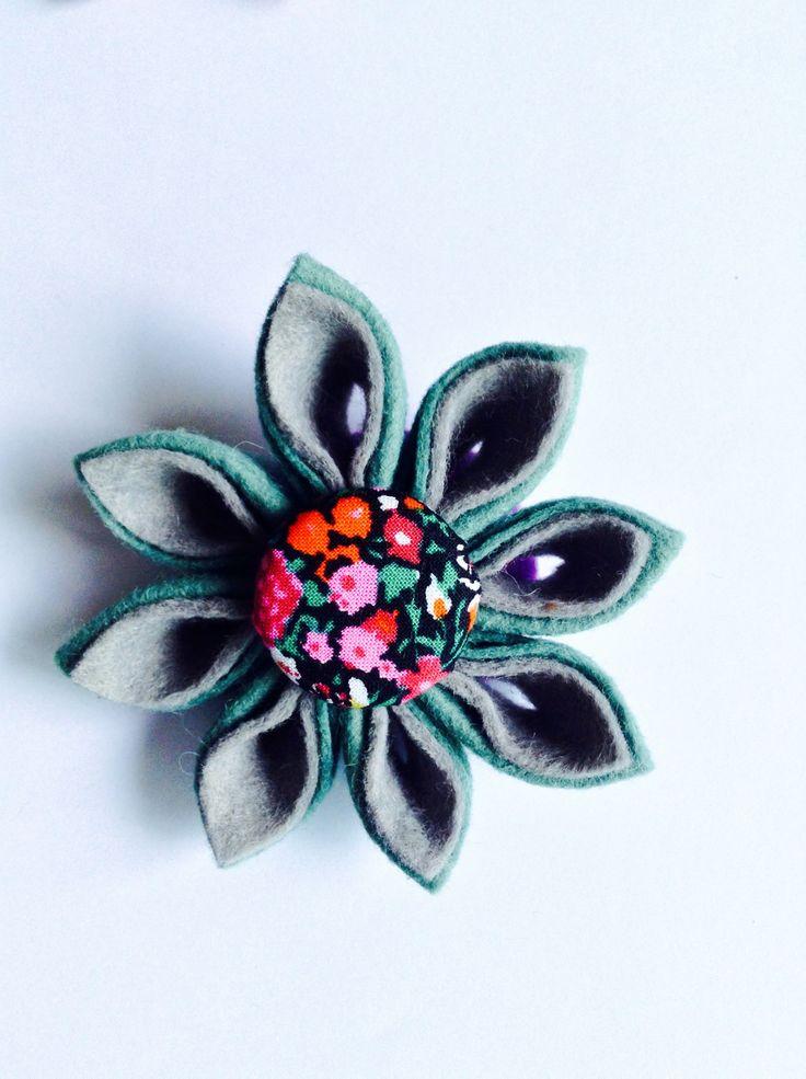 Kanzashi style pin