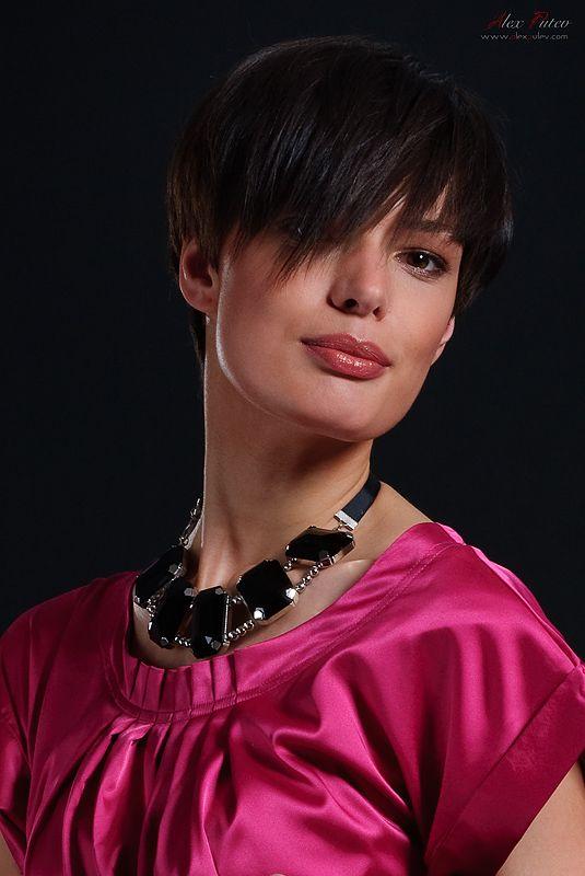 Очарование. съемка для каталога женской одежды Осень 2009 http://www.alexputev.com #очарование #чары #улыбка #девушка #каталог #одежда женская Автор: Александр Путев