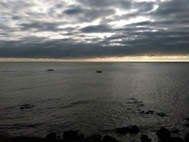 Desde las Islas Canarias  ..Fotografias  : Barcos de recreo al atardecer en la costa de Maspa...