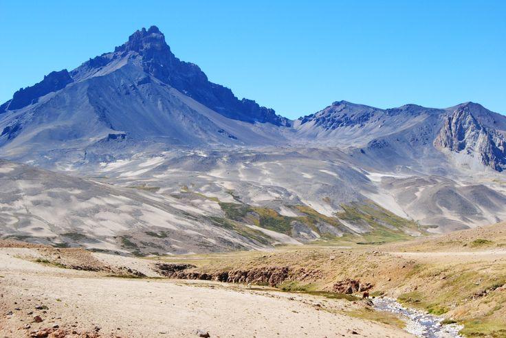 Vista Cerro Campanario desde el lado Chileno de la Frontera