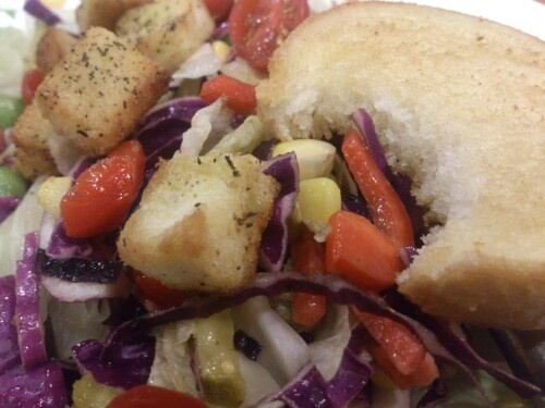 Garden Salad with Garlic bread
