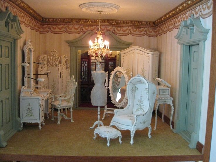 41 Best Images About Valley Of The Dollhouse On Pinterest